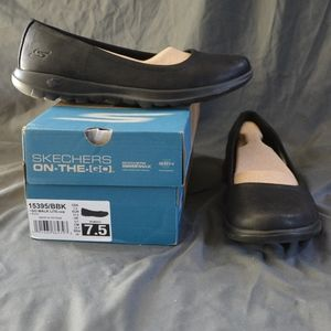 SKECHERS GOWALK LITE GEM 7.5 $65